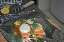 Salmon with onion and fennel