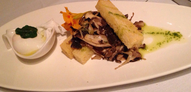 Montfort's mushrooms and poached egg