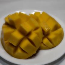 I love mango. It reminds me of my happy places, viz., Brisbane and Darwin
