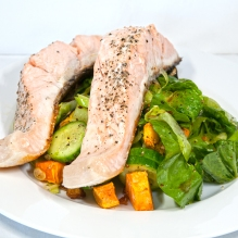 Monday 2014-01-13 18.35.53 AEDT Salmon and salad
