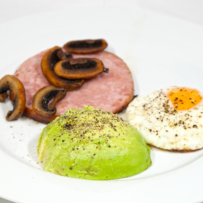 Thursday 2014-01-16 06.27.29 AEDT Ham steak breakfast with a focus on avocado