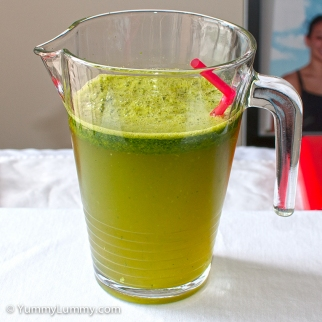 Friday 2014-01-31 17.25.14 AEDT Green drink made with spinach and mint