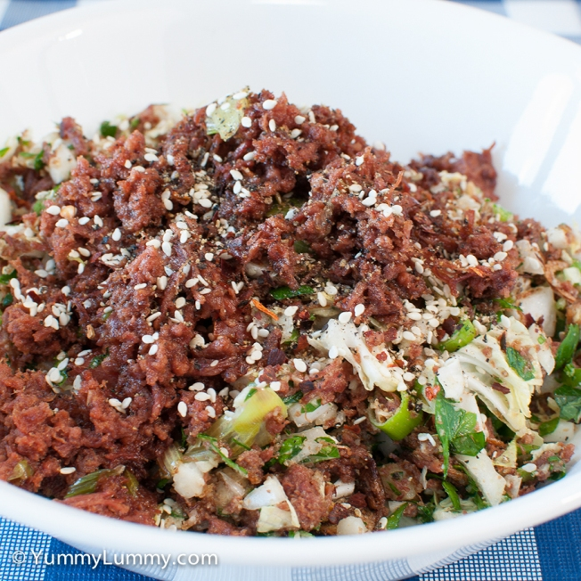 Tuesday 2014-02-25 17.45.11 AEDT My dinner tonight was 225 g corned beef, 93 g wombok, 18 g spring onion, 14 g parsley, 10 g fried shallots, 30 g ground pecans, 5 g chilli flakes, 5 g pepper corns, and 5 g curry powder. I fried the corned beef and stirred through the salad. It was really crunchy and tasty.