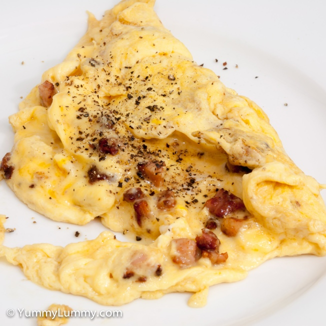 Picture of scrambled eggs and bacon pieces