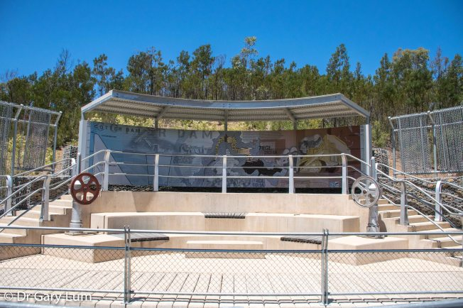 Monday 2014-01-27 13.30.26-3 AEDT The viewing stand at Cotter Dam