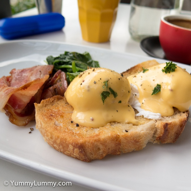a photograph of Eggs Benedict